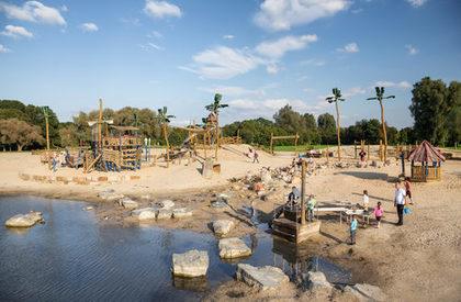 Bild zeigt den Piratenspielplatz der Stadt Salzgitter Lebenstedt
